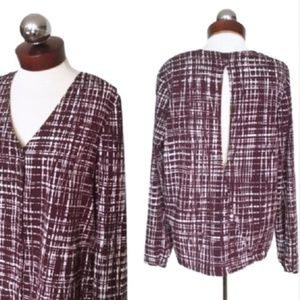 BANANA REPUBLIC open back split crepe blouse